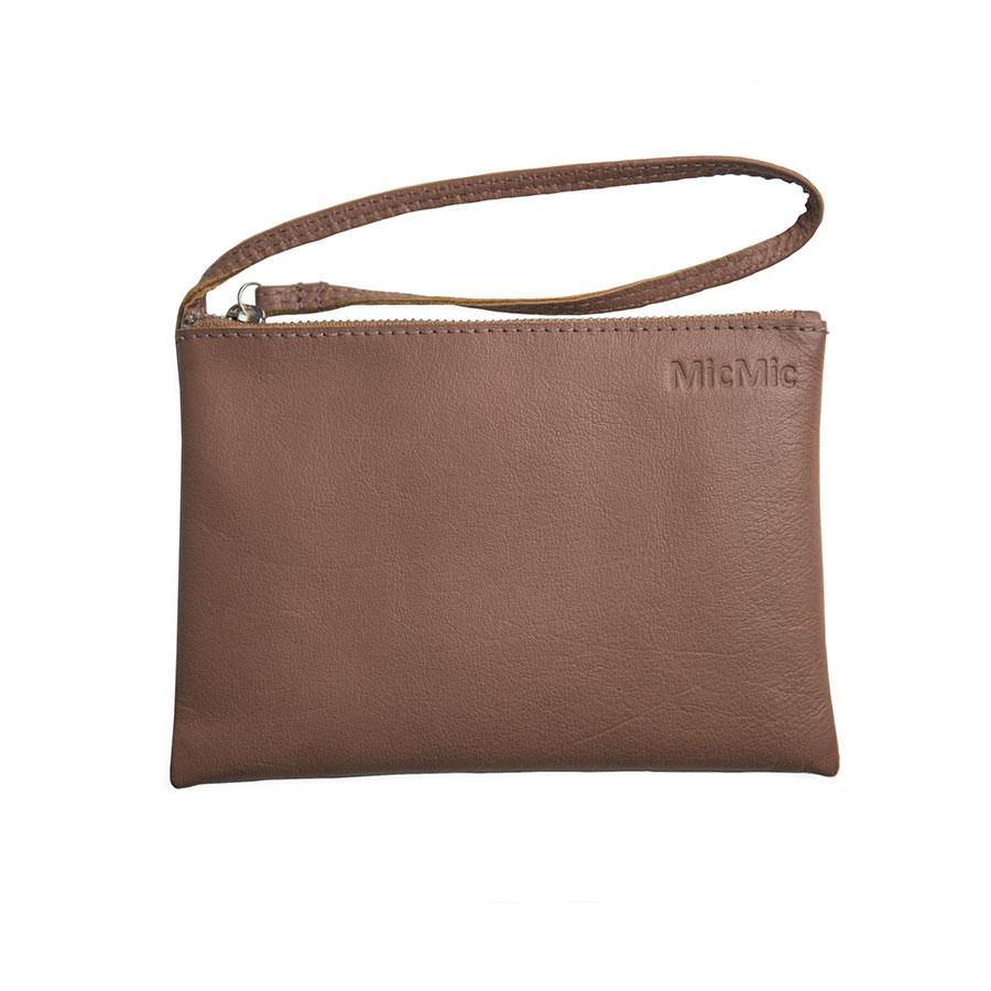 Image of   Penh, brun læder clutch med rem